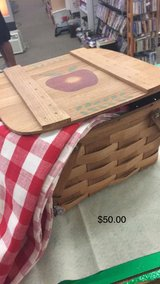 Picnic Basket with Table Cloth in Fort Leonard Wood, Missouri
