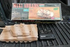1/20 SCALE CMI DESERT STORM M1A1 ABRAMS MAIN BATTLE TANK WITH BOX in Chicago, Illinois