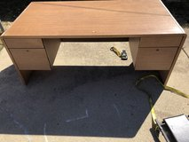 Office desk in Glendale Heights, Illinois