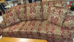6.5 foot couch in Warner Robins, Georgia