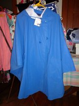 NEW WATERPROOF WOMEN'S HOODED RAIN CAPE_ LARGE_NWT in DeKalb, Illinois