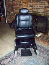 Invacare Electric Wheel Chair Wheelchair Like New w/manuels in Cherry Point, North Carolina