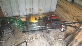 2 lawnmowers/ 1 edger/ 70 2×4 5' good condition in Chicago, Illinois