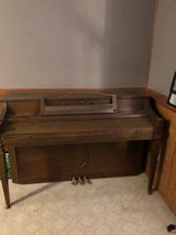 Spinet Piano in good shape but could stand a tuning. in Lockport, Illinois