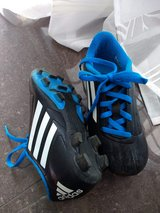 Addidas Kids Size 12 Soccer Cleats / Sneakers / Shoes in Stuttgart, GE