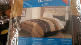 6 pc. twin. bed set. brand new in package in Kansas City, Missouri