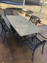 Patio table and chairs in 29 Palms, California