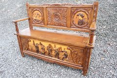precious hand carved Brittany trunk bench in Stuttgart, GE