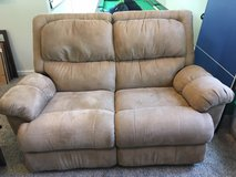 *~* Lazy Boy Duel Reclining  Love Seat *~* in Fort Lewis, Washington