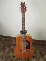 Washburn acoustic guitar with case, new Elixir strings and set up, excellent. in Joliet, Illinois