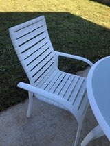 Patio Table and 4 Chairs in Warner Robins, Georgia