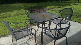 Patio table and chairs in Leesville, Louisiana