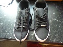 Sparkly black womens trainers size 7/8 in Lakenheath, UK