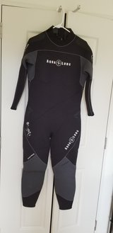 Women's 5mm wetsuit size 14 in Okinawa, Japan
