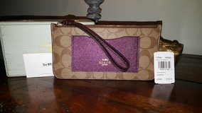 Authentic Coach wallet in Aurora, Illinois