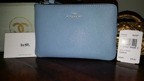 Authentic Coach wristlet baby blue in Aurora, Illinois
