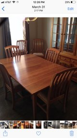 dining room set in Plainfield, Illinois