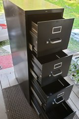 Hon 4 drawer filing cabinet in Cleveland, Texas