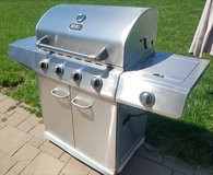 Gas Grill in Bolingbrook, Illinois