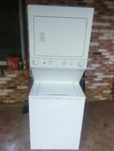 Stackable washer and dryer Frigidaire in Warner Robins, Georgia