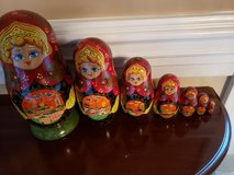 set of 6 Russian hand painted n signed nesting doll in Aurora, Illinois