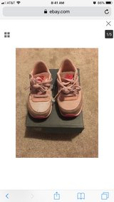 Girls toddler pink new balance shoes size 9 used in Baytown, Texas