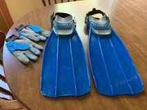 Diving Fins and Diving Gloves- Mens Large in Cherry Point, North Carolina