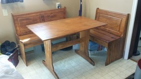 Table and benches in Joliet, Illinois