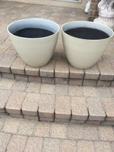 2MATCHING DECORATIVE LIGHT TAN FLOWER POTS in Bolingbrook, Illinois