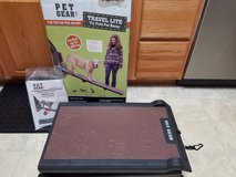 Pet Gear Dog Travel Lite Tri-Fold Pet Ramp Up to 200 lbs. in Yorkville, Illinois