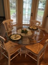 Table and chairs in St. Charles, Illinois
