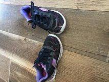 Girls sketchers size 11 in Yucca Valley, California