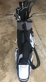 Golf Clubs Full Set Men's Right Handed in Naperville, Illinois