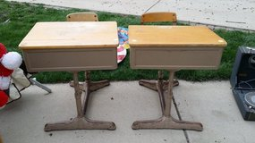 One Piece School Desks in Westmont, Illinois