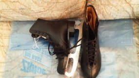 Men's Black Ice Skates in Westmont, Illinois