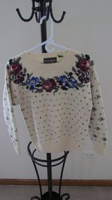 Women's Sweater in Palatine, Illinois