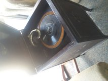 Antique wind-up victrola comes with records call the RCA Victor Talking Machine in Fort Benning, Georgia