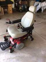 Jazzy Select 6 Electric Wheelchair (new battery included) in Bolingbrook, Illinois