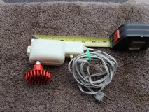 LITTLE HAND HELD ELECTRIC MASSAGER in Aurora, Illinois
