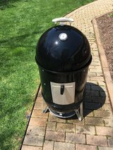 Weber Smokey Mountain 18in Grill in Bolingbrook, Illinois