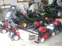 LOTS OF LANDSCAPING EQUIPMENT; ZERO TURNS, TRACTORS, MOWERS, TRIMMERS, EDGERS ETC in Yorkville, Illinois
