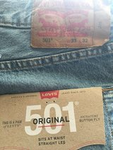 BRAND NEW 501 LEVIS. 33x32 in Yucca Valley, California