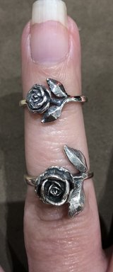 James Avery - Retired Large Rose ?? Ring size 6 1/2 in Baytown, Texas