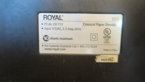 10 sheets max & credit card shredder royal 100+  ( call my cell phone only ) in Okinawa, Japan
