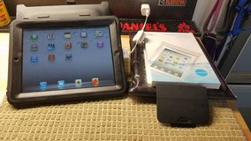 16 GB Wi-Fi iPad with Otter Cover/Stand, Pillow Case, Waterproof Bags in Chicago, Illinois