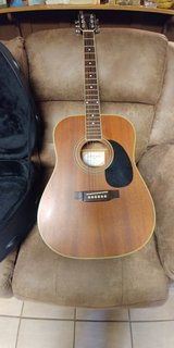 Acoustic guitar with case, stand, strap in Fort Campbell, Kentucky