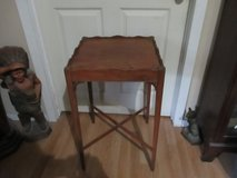 ANTIQUE WALNUT LAMP OR SIDE TABLE in Cleveland, Texas