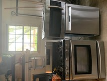 Samsung stainless steel oven/stove and over the range microwave matching set in Naperville, Illinois