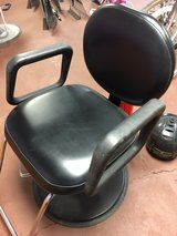 Stylist Barber Chair in Alamogordo, New Mexico