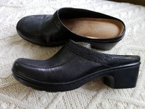 NEW Women's Easy Spirit  shoes in Glendale Heights, Illinois